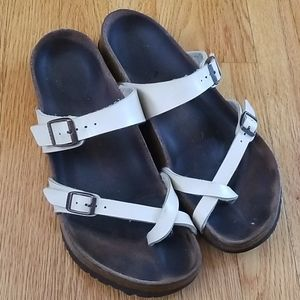 Well loved Birkenstock sandals - Size 42 or 11